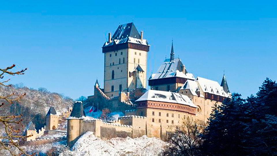 la fortezza di Karlštejn percorrendo la strada delle Rocche