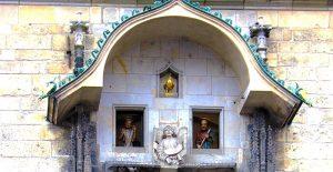 le decorazioni dell'orologio astronomico di praga