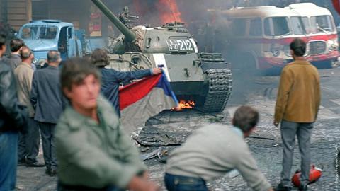 i russi occupano Praga