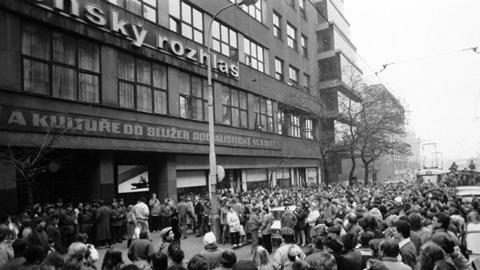 radio-praga-1968