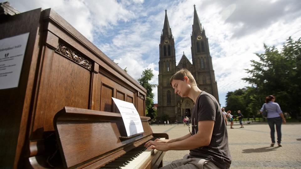 pianoforte-Praga