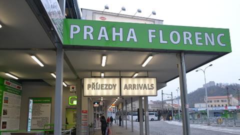 stazione-autobus-praga