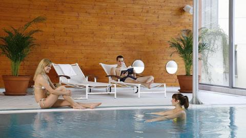 praga-hotel-piscina
