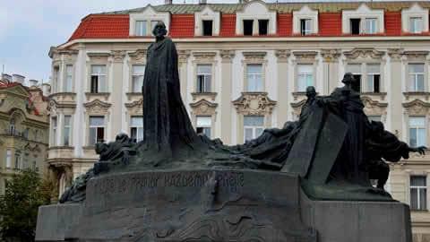 statua-jan-hus-praga