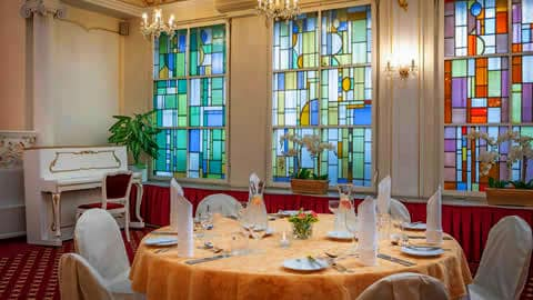 mbassador-zlata-husa-ristorante