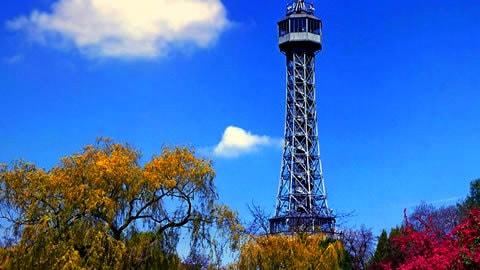 torre-panoramica-petrin-praga