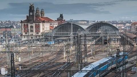 praga stazione treni