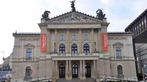 teatro opera praga